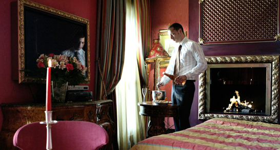 chambre-jacuzzi-privatif-hotel-sexyhotelsparis