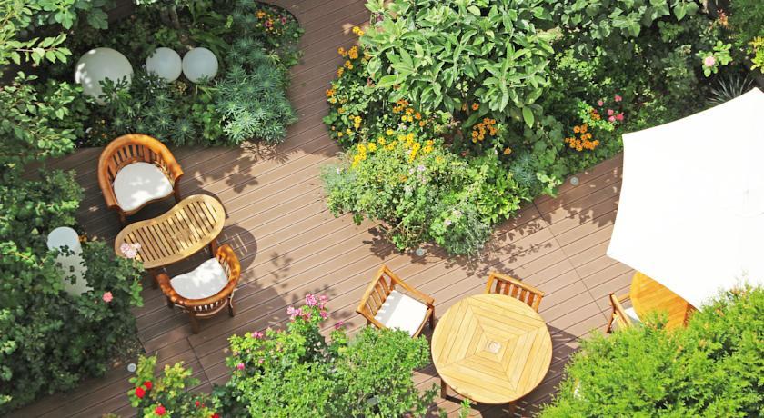 Zoom sur cet hôtel avec jardin à prix doux, en plein 11e arrondissement !