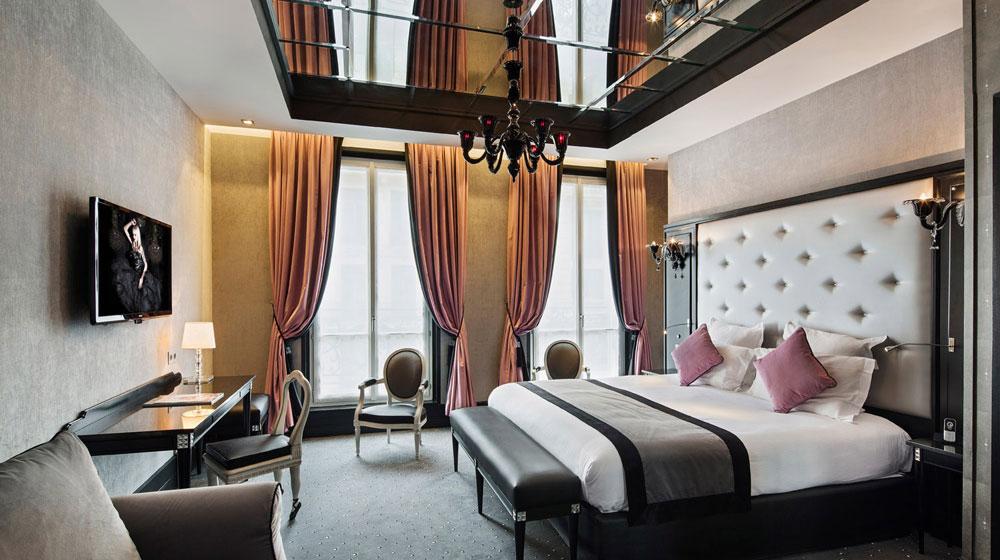 Hotel paris lit rond design with hotel paris lit rond for Miroir plafond chambre