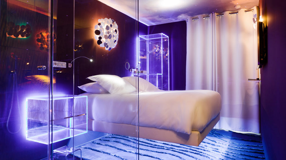 hotel-saint-valentin-paris-lit-levitation-hotel-paris
