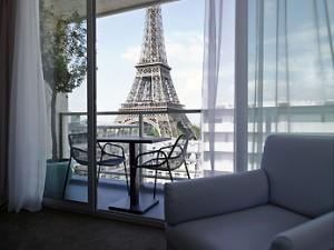 suite-vue-eiffel-romantique-hotel-paris