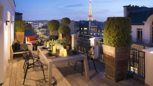 suite-vue-tour-eiffel-paris-hotel-romantique-marignan-champs-elysees-sexyhotelsparis