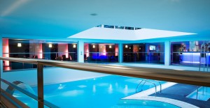 hotel-romantique-piscine-paris-sexyhotelsparis