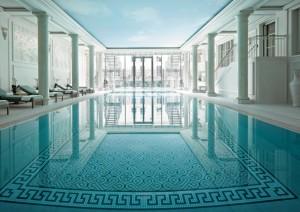 hotel-piscine-shangri-laparis-romantique